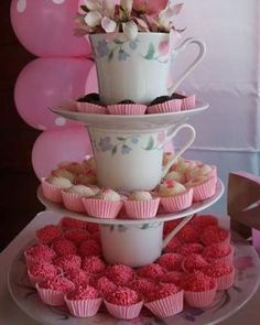 Baby shower ides simple tea parties Ideas for 2020 Tea Party Theme, Tea Party Birthday, Tea Party Bridal Shower, Baby Shower Parties, Baby Showers, Bar A Bonbon, High Tea, Holidays And Events, Afternoon Tea