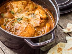 Indian chicken curry: Aroma pure from only one pot - essn - Fish Recipes Indian Food Recipes, Asian Recipes, Good Food, Yummy Food, Tasty, White Fish Recipes, Indian Chicken, Indian Dishes, Food Inspiration
