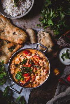 Tikka masala kikherneillä (V, GF) – Viimeistä murua myöten Vegan Recipes Videos, Vegan Lunch Recipes, Cooking Recipes, Healthy Recipes, Vegetarian Food, Healthy Meal Prep, Healthy Eating, Food Crush, Vegan Dishes