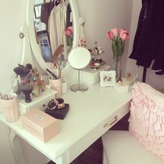 what a perfect vanity , i love it !