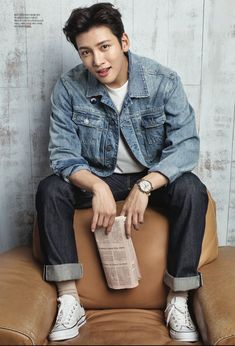 Photos of Ji Chang Wook's Fossil photoshoot in Look Magazine (Issue were posted in advance of its 7 September 2017 Ji Chang Wook 2017, Ji Chang Wook Smile, Ji Chang Wook Healer, Asian Celebrities, Asian Actors, Celebs, Korean Men, Asian Men, Ji Chang Wook Photoshoot