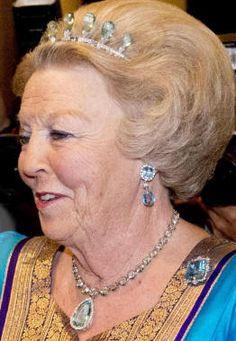 QUUEN BÈATRIX wearing the Dutch  Aquamarine Parure
