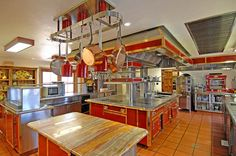 The Hummingbird Nest Ranch $1.000.000,00 french kitchen – $49,500,000 | Pricey Pads