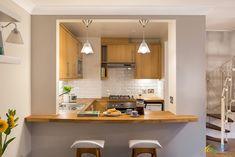 Kitchen Bar Design, Diy Kitchen Decor, Kitchen Layout, Interior Design Kitchen, Kitchen Ideas, Interior Modern, Small Farmhouse Kitchen, Farmhouse Sinks, Small Kitchen Bar