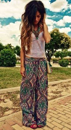 Very colorful pants and a plain white shirt are a perfect combination. #bohochicoutfit