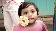 MAKAN KERUPUK INDONESIAN KIDS