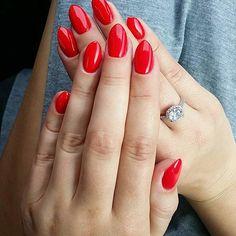 Kilka dni temu odebrałam nowości od @neonailpoland Piękny kolor Lady Ferrari…