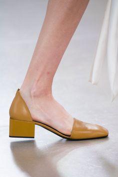 Jil Sander at Milan Fashion Week Spring 2016 - Details Runway Photos