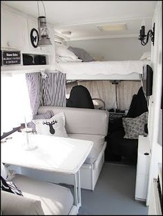 New photos, old Womo, new decor - camper forum - Interior Motorhome, Camper Interior, Vida No Trailer, Astuces Camping-car, Kombi Home, Camper Life, Camper Van, Camper Caravan, Van Living