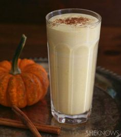 Low-carb pumpkin cheesecake smoothie for warm fall days
