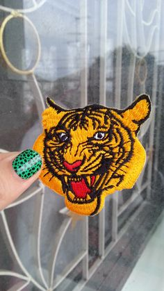 1 Dollar Shipping - Tiger Patch  / Applique by damnyoucrafty on Etsy https://www.etsy.com/listing/248790904/1-dollar-shipping-tiger-patch-applique