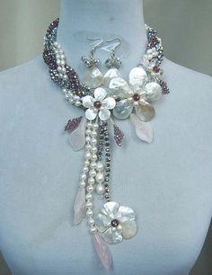 fleur collier collier de perles collier bavoir par audreyjewelry, $49.50