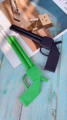 Cool Paper Crafts, Paper Crafts Origami, Diy Crafts Hacks, Diy Crafts For Gifts, Diy Crafts Videos, Fun Crafts, Diys, Instruções Origami, Oragami