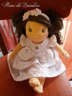 Waldorf doll - Poupée waldorf - Éoline poupée végan