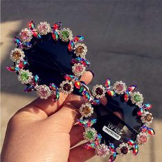 DAVE's Brand Classic Women's Retro Round Crystal Sunflower Sunglasses