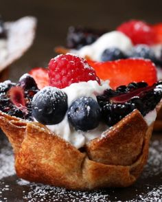 These Tortilla Dessert Cups Are Little Bites Of Perfection is part of Mexican dessert Cups - Bring sweetness to the party Tortilla Dessert, Fruit Recipes, Mexican Food Recipes, Cooking Recipes, Healthy Mexican Dessert, Easy Desserts, Delicious Desserts, Yummy Food, Proper Tasty