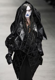 fashion / black / haute / dark / goth