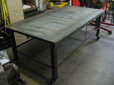 Welding table on wheels