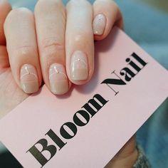 여리여리하니 #웨딩네일 로 추천해요💍 모든 문의는 카톡으로 해주세요