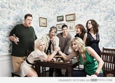 Roseanne cast reunion - Funny picture with Alicia Goranson arm wrestling Sarah Chalke.