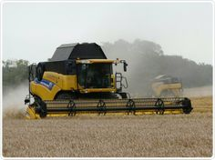 New Holland CR8080 Combine Harvester - C&O Tractors - New Holland Dealer, Tractors, Combine and Balers