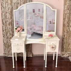 Gorgeous Vintage Vanity Table with Trifold Mirror and 4 Drawers. Would love this in Cherry...