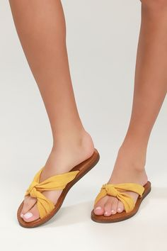 d53df04e4 52 Awesome Suede sandals images