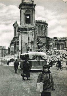 Warszawa Poland Ww2, Warsaw Poland, Old Photos, Vintage Photos, Old Photography, Total War, D Day, World War Two, Wwii