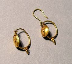 Pair of Earrings, Roman        2nd century C.E.      Gold