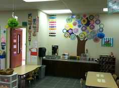 Mrs. Cates' Kindergarten: Beginning Of The Year  remember to look at her blog.. great ideas  cute class