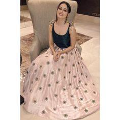 Beautiful Indian Brides, Sana Khan, Weeding Dress, Floor Length Gown, Saree Look, Glitter Dress, Indian Outfits, Cloths, Desi