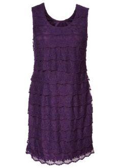 Kleid mit Rüschen - Leider nicht für mich tragbar. Zuviel Oberweite für den Schnitt (Cup C-D) lässt die Rüschen hochrutschen, es sitzt somit daher überhaupt nicht. Taille und Länge sind aber schön.