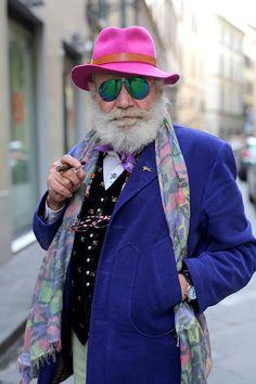 Ser velho é uma coisa. Agir como tal, é outra bem diferente.