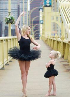 Dance Moms Chloe Lukasiak 2014 Dawn Biery photoshoot (the most amazing dancer evs! Dance Moms Chloe, Dance Moms Dancers, Dance Mums, Dance Moms Girls, Just Dance, Dance Moms Memes, Dance Moms Funny, Chloe Lukasiak, Dance Photos