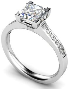 Engagement Rings with certified princess cut diamond in the centre in 18k white gold