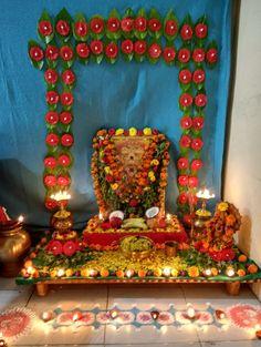 Backdrop Decorations, Festival Decorations, Flower Decorations, Backdrops, Wedding Decorations, Ganapati Decoration, Decoration For Ganpati, Pooja Room Design, Flower Rangoli