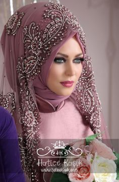 Her eyes are enough ! Wedding Abaya, Wedding Hijab Styles, Muslimah Wedding, Turban Hijab, Islamic Fashion, Muslim Fashion, Hijab Fashion, Muslim Dress, Hijab Dress