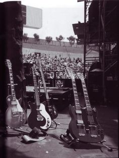 Jimmy Page's guitars 1979 via Airking