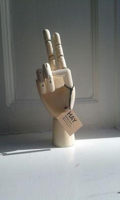 Houten hand van Hay
