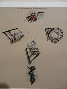 klikni pro další 4/41 Lace Embroidery, Embroidery Stitches, Types Of Lace, Bobbin Lace Patterns, Crochet Needles, Lacemaking, Lace Heart, Lace Jewelry, Needle Lace