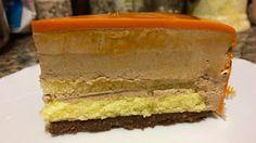 La Tana dell'Orso: mousse al gianduja (comaschi), cremoso al cioccolato nocciole e mascarpone, gelatina al mandarino (comaschi), pds al mandarino (comaschi),  bagna al mandarino e Grand marnier, croccantino al cioccolato nocciole pralinato e streusel
