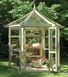 Inspiring Small Greenhouse For Backyard Pictures Ideas. Landscaping Gallery at Small Greenhouse For Backyard Best Greenhouse, Greenhouse Plans, Greenhouse Gardening, Small Glass Greenhouse, Greenhouse Wedding, Porch Greenhouse, Underground Greenhouse, Homemade Greenhouse, Portable Greenhouse