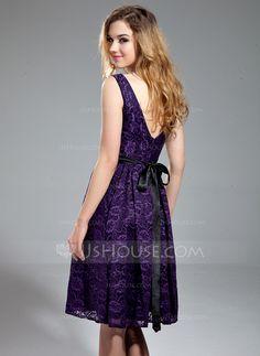 A-Line/Princess V-neck Knee-Length Lace Bridesmaid Dress With Sash Beading (007019657)