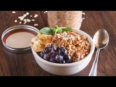 So if you've never heard of a Refrigerator Oatmeal recipe before.aka Overnight Oats, let me just tell you that they are as easy as pouring yourself cereal.I'm serious! Peanut Butter Roll, Coconut Peanut Butter, Chocolate Peanut Butter, Refrigerator Oatmeal Recipes, Overnight Porridge, Paleo Diet, Keto, Chocolate Peanuts, Food Videos