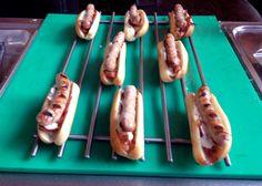 Spanish Hot Dogs by Albert Adrià acabados de cocinar en el Josper