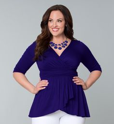 Plus size clothing for full figured women. We carry young and trendy, figure flattering clothes for plus size fashion forward women. Curvalicious Clothes has the latest styles in plus sizes Look Plus Size, Plus Size Tops, Plus Size Women, Curvy Girl Fashion, Plus Size Fashion, Lucy Clothing, Size Clothing, Modelos Fashion, Modelos Plus Size