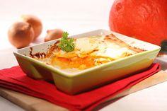 Zapečené večeře bývají nejvděčnější – milují je kuchaři i strávníci!; Ondřej Hošt Thai Red Curry, Pudding, Ethnic Recipes, Desserts, Food, Flan, Postres, Puddings, Deserts