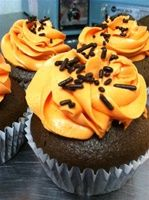 Peanut-free, tree-nut-free, egg-free, dairy-free Halloween cupcakes from Sweet Alexis Bakery, via Peanut-Free Planet.
