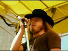 Lynyrd Skynyrd - Sweet Home Alabama - 7/2/1977 - Oakland Coliseum Stadium (Official) - YouTube