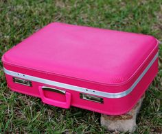 Medium 20.5 Bubble Gum Pink Hard Side Suitcase - Vintange Pink Hard Shell Suitcase - Awesome Condition